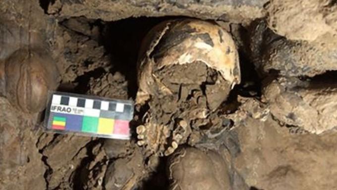 https: img.okezone.com content 2021 03 09 406 2375008 tengkorak-wanita-berusia-5-300-tahun-ditemukan-di-gua-terpencil-bagian-ritual-kematian-ZW5dnrX91v.jpg