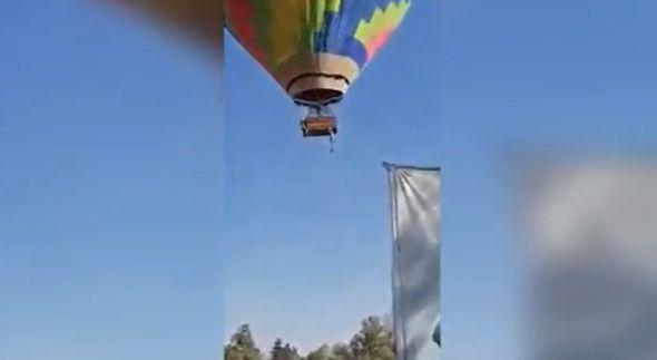 https: img.okezone.com content 2021 03 09 406 2375146 viral-pria-jatuh-dari-balon-udara-ditangkap-pakai-selimut-LpHKJ8UnyO.jpg