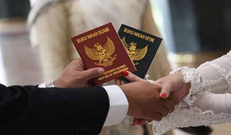 https: img.okezone.com content 2021 03 09 614 2374985 kontroversi-poligami-ini-10-alasan-istri-tidak-mau-dimadu-vdrMYo6BqV.jpg