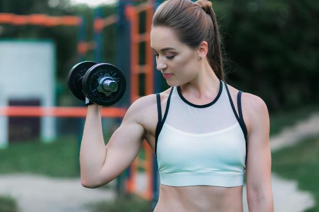 https: img.okezone.com content 2021 03 10 12 2375600 ingin-bakar-kalori-dengan-cepat-coba-olahraga-angkat-beban-g7oROC4sAH.jpg