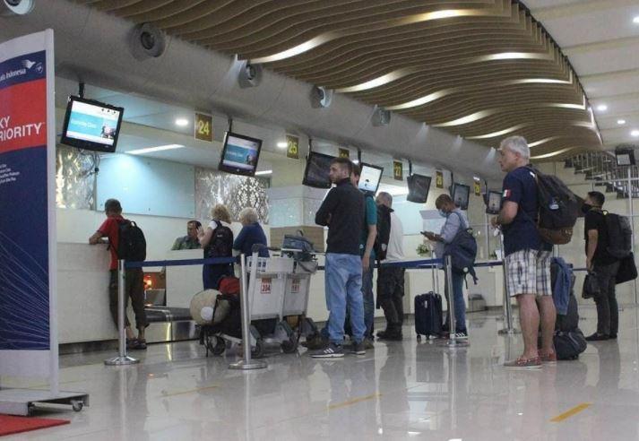 https: img.okezone.com content 2021 03 10 406 2375244 bangkitkan-pariwisata-sulut-bandara-sam-ratulangi-mulai-bersolek-PN22hOR38w.JPG