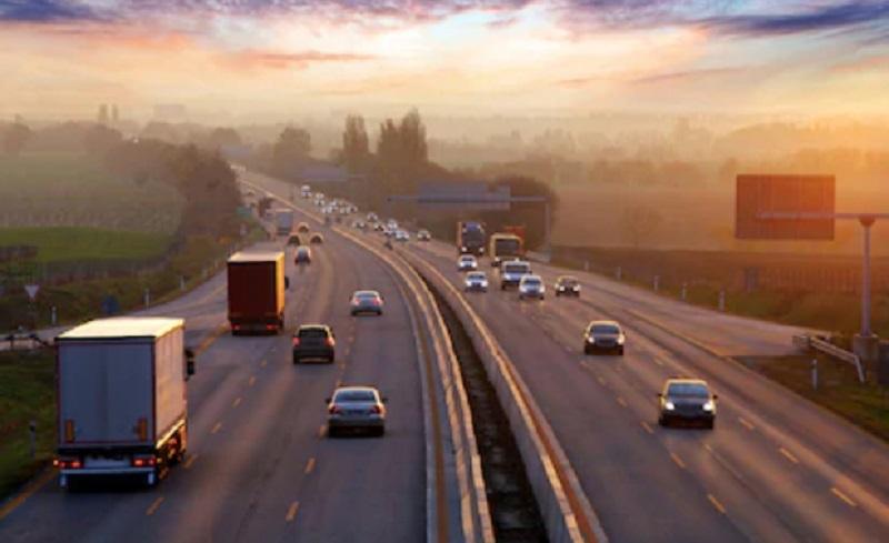 https: img.okezone.com content 2021 03 11 320 2376137 153-ribu-kendaraan-tinggalkan-jabodetabek-di-tengah-larangan-ke-luar-kota-wDBXp70J9S.jpg