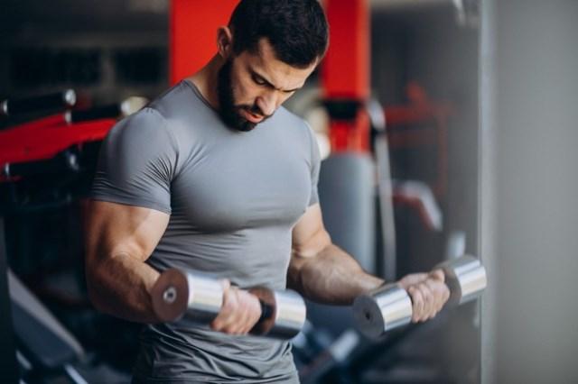 https: img.okezone.com content 2021 03 11 481 2376168 ini-kebutuhan-protein-untuk-turunkan-berat-badan-dan-bangun-otot-0jKg5QYSCp.jpg