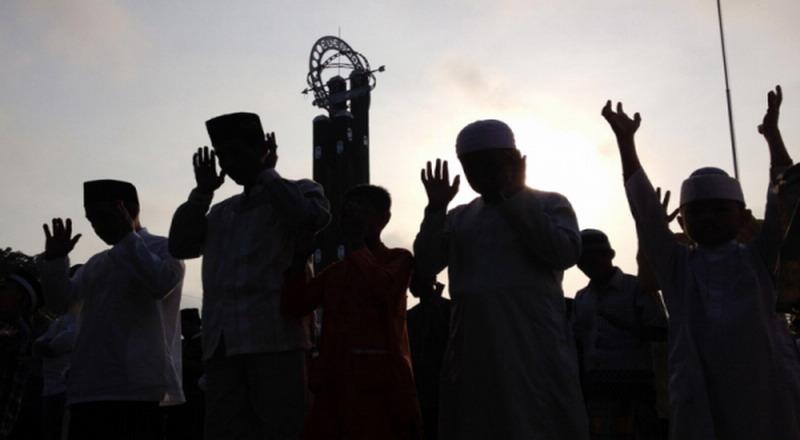 https: img.okezone.com content 2021 03 12 330 2376841 berbagai-aliran-dalam-islam-ini-bentuk-yang-masih-eksis-hingga-saat-ini-e4fWO4wKPV.jpg