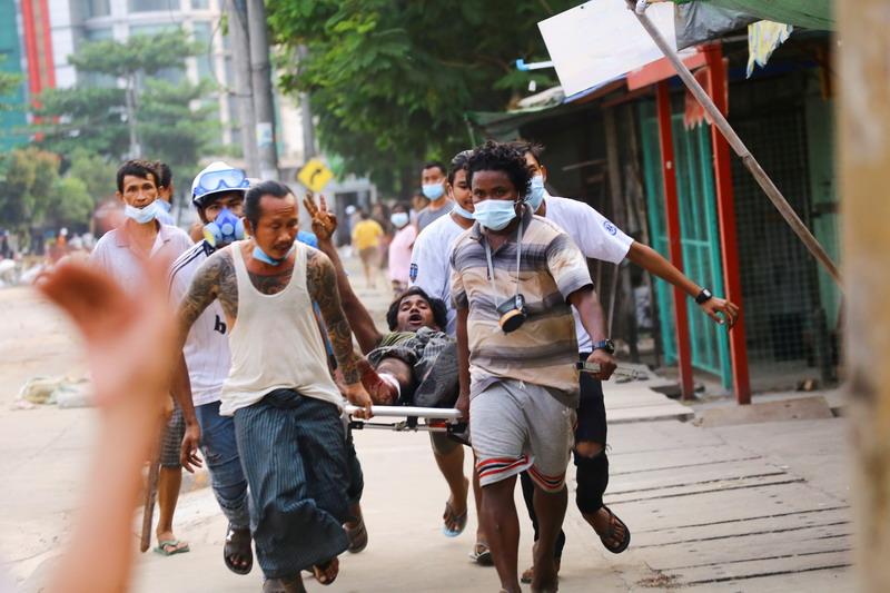 https: img.okezone.com content 2021 03 15 18 2378106 junta-myanmar-perluas-status-darurat-militer-setelah-hari-paling-berdarah-sejak-kudeta-PhfvqH6EUf.jpg