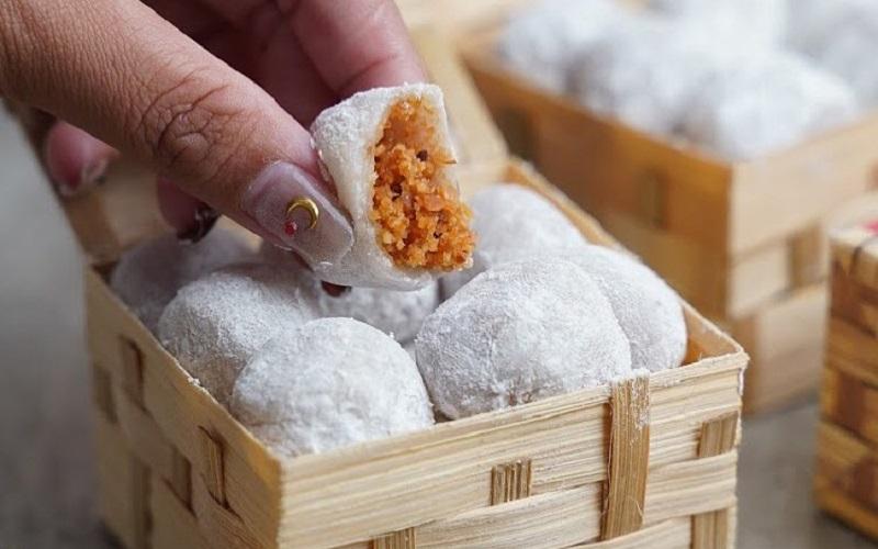 https: img.okezone.com content 2021 03 15 298 2377911 kue-mochi-oleh-oleh-khas-sukabumi-yang-legendaris-Ad1jbBKFZo.jpg