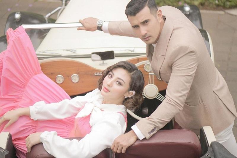 https: img.okezone.com content 2021 03 16 33 2378750 sebulan-menikah-istri-ali-syakieb-hamil-anak-pertama-qlgDAM3iGk.jpg