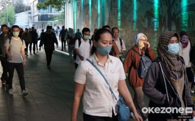 https: img.okezone.com content 2021 03 16 620 2378592 tips-tepat-gunakan-masker-serta-tempat-aman-menyimpannya-u8Q5Wk7rwq.jpg