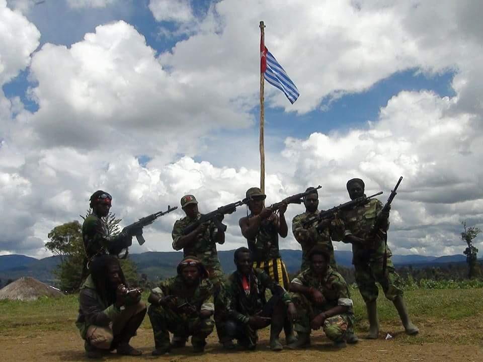 https: img.okezone.com content 2021 03 17 337 2379150 dpr-kelompok-bersenjata-di-papua-layak-disebut-teroris-Ipp0TQ1cRa.jpg