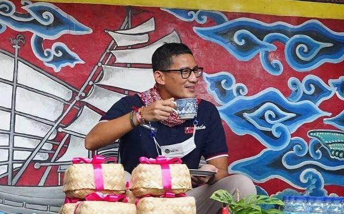 https: img.okezone.com content 2021 03 17 406 2379088 sandiaga-uno-dorong-long-term-visa-bagi-turis-asing-8l9h1hOKi9.JPG