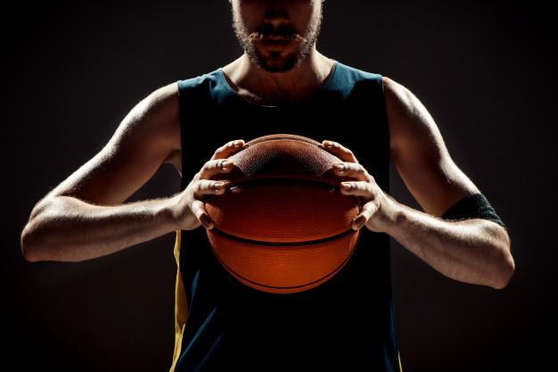https: img.okezone.com content 2021 03 17 481 2379381 yuk-ketahui-7-manfaat-besar-di-balik-olahraga-bola-basket-dJSOvmRgxT.jpg