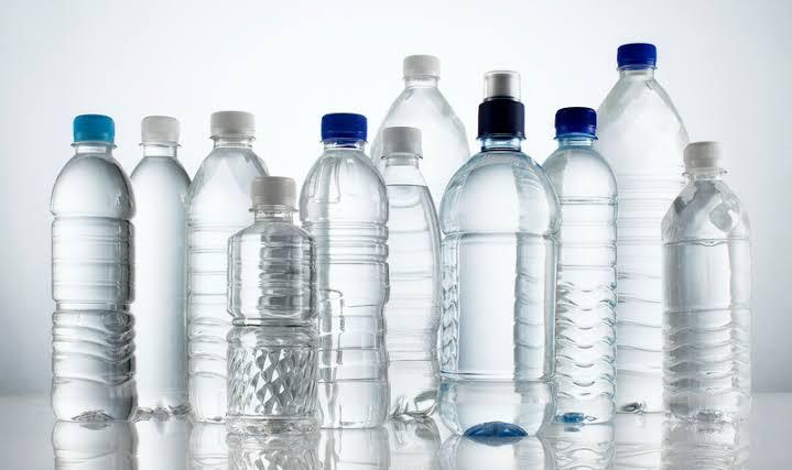 https: img.okezone.com content 2021 03 18 612 2379580 mengenal-jenis-plastik-pet-wajib-tahu-juga-kegunaannya-lihnImG1o5.jpeg