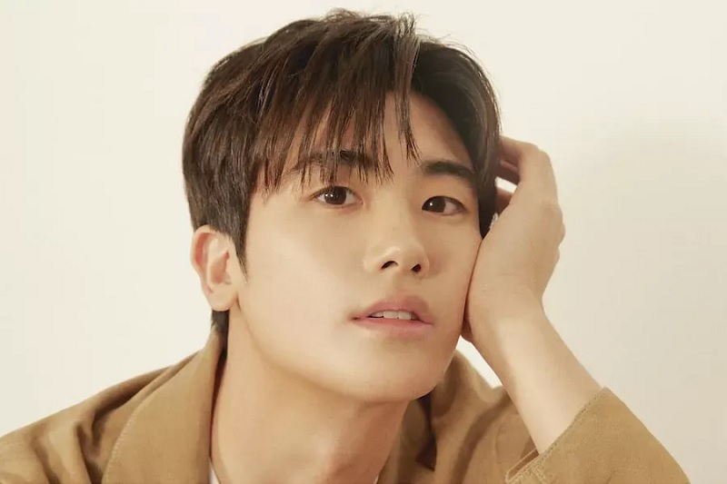 https: img.okezone.com content 2021 03 19 206 2380842 park-hyung-sik-pertimbangkan-comeback-berakting-lewat-drama-saeguk-tvn-CiezwOWSsS.jpg