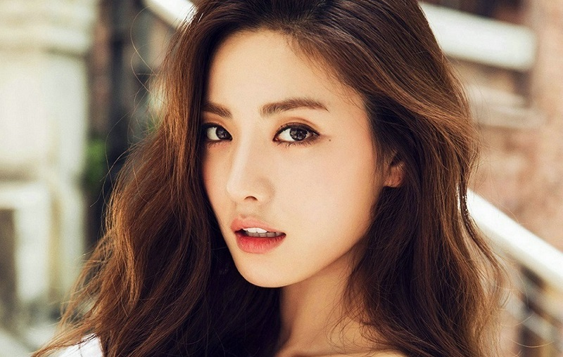 https: img.okezone.com content 2021 03 19 206 2380937 nana-berpotensi-adu-akting-dengan-jeon-yeo-bin-dalam-glitch-c3iE3MFaK2.jpg