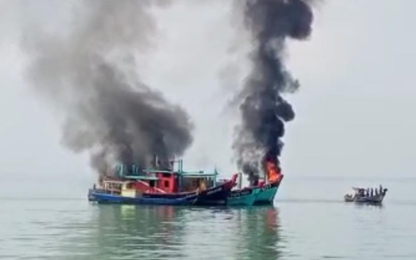 https: img.okezone.com content 2021 03 19 320 2380489 ri-musnahkan-6-kapal-pencuri-ikan-berbendera-malaysia-i6EgS28v8H.jpg