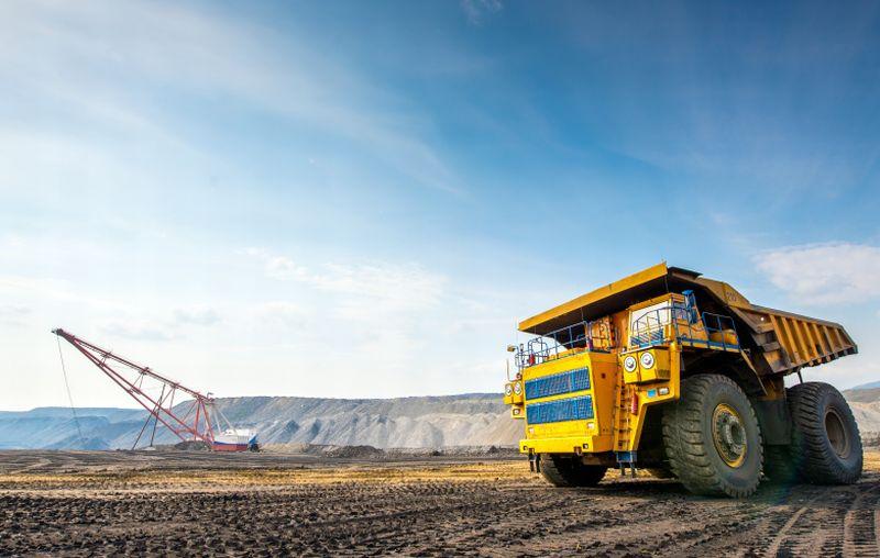 https: img.okezone.com content 2021 03 19 320 2380620 produksi-batu-bara-ri-diprediksi-capai-678-juta-ton-pada-2040-GgmiU4i3xm.jpg