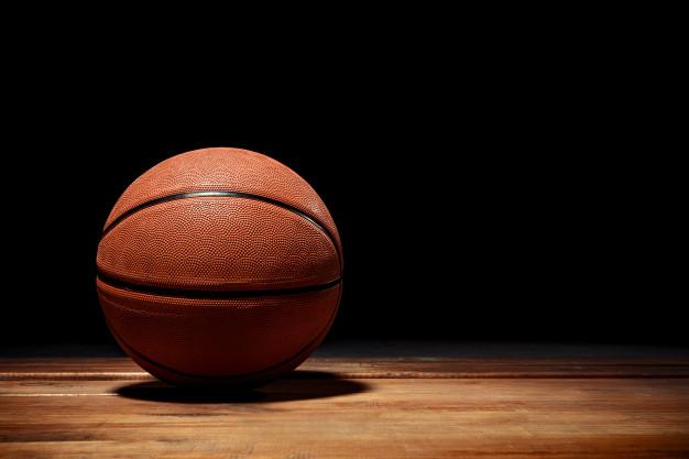 https: img.okezone.com content 2021 03 19 612 2380707 tahukah-kamu-ini-fungsi-garis-hitam-di-bola-basket-qNk5TJDWNy.jpg