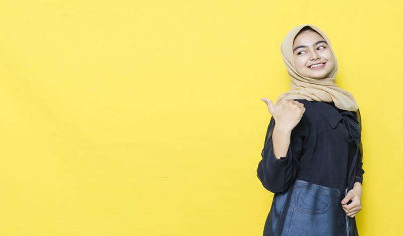 https: img.okezone.com content 2021 03 19 617 2380434 ada-celah-industri-fashion-muslim-bangkit-kembali-A1LxNXvoNA.jpg