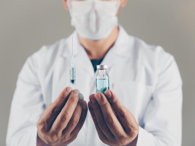 https: img.okezone.com content 2021 03 19 620 2380598 yuk-antar-orangtua-vaksinasi-covid-19-begini-cara-mendaftarnya-ySbyaDE9Ch.jpg