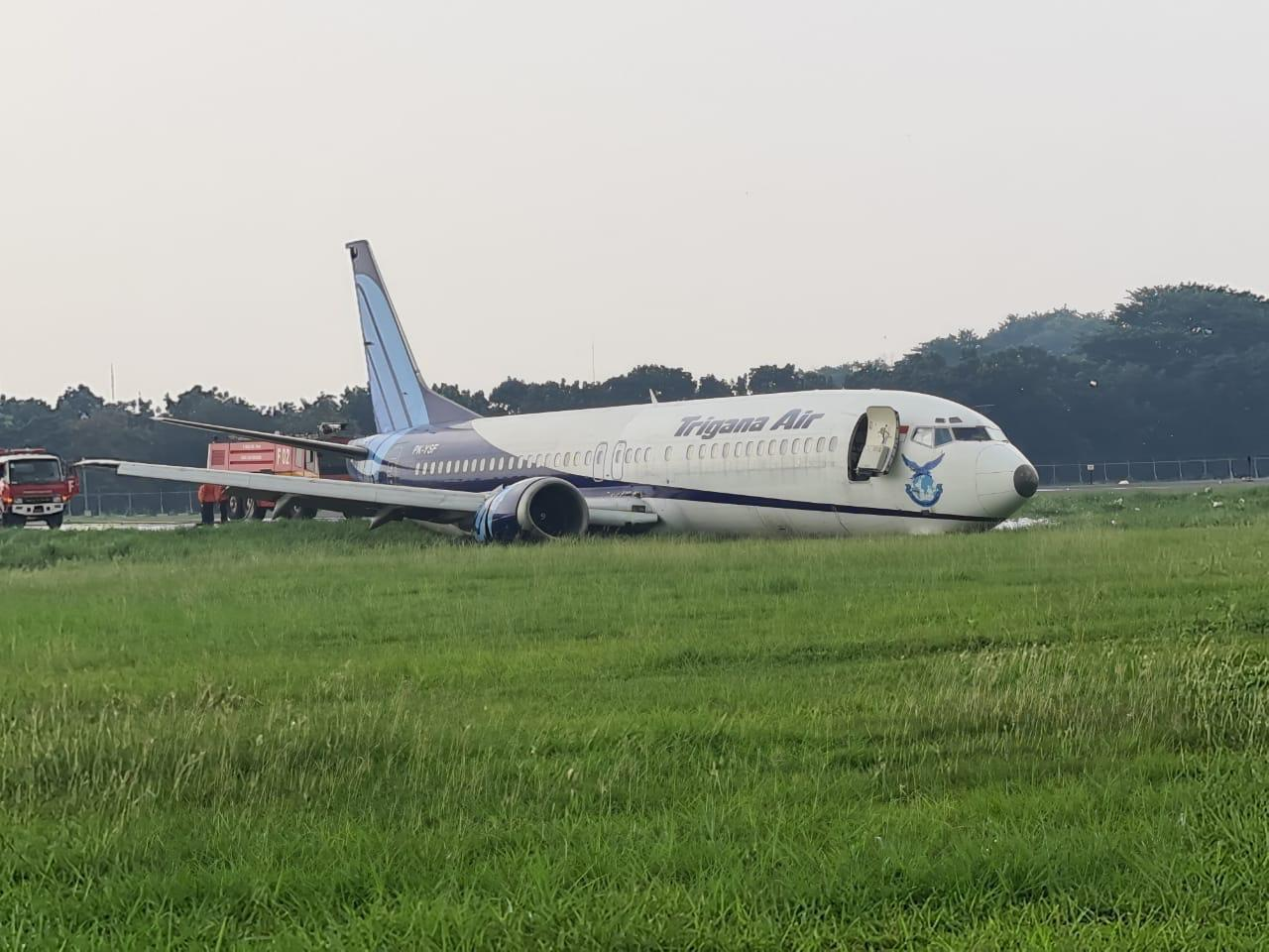 https: img.okezone.com content 2021 03 20 337 2381137 trigana-air-tergelincir-di-bandara-halim-7-penerbangan-tertunda-dan-dialihkan-ke-soetta-n92xb7sQUw.jpg