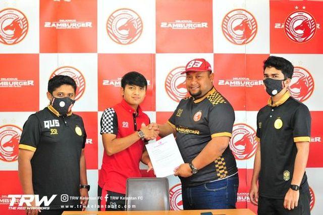 https: img.okezone.com content 2021 03 20 620 2380947 main-apik-pemain-timnas-indonesia-natanael-siringoringo-dikontrak-3-tahun-klub-malaysia-kelantan-fc-OJrXyw5C5C.jpg