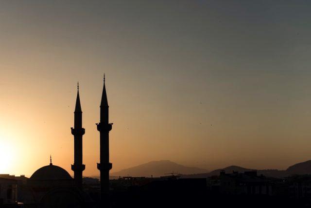 https: img.okezone.com content 2021 03 21 337 2381319 kisah-laskar-mataram-bangun-masjid-di-betawi-Ksk6GcsOgG.jpg