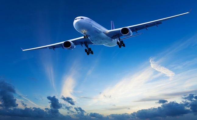 https: img.okezone.com content 2021 03 21 406 2381341 ada-pria-gigit-telinga-penumpang-penerbangan-terpaksa-dialihkan-W4eDqNiNai.JPG