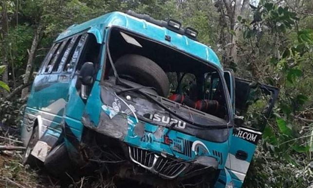 https: img.okezone.com content 2021 03 21 406 2381630 minibus-pariwisata-masuk-jurang-2-penumpang-tewas-YFtpMjZAuh.JPG