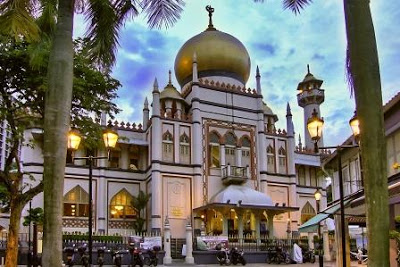 https: img.okezone.com content 2021 03 22 330 2382103 singapura-izinkan-sholat-tarawih-ramadhan-2021-di-masjid-L3WT1zRhnC.jpg