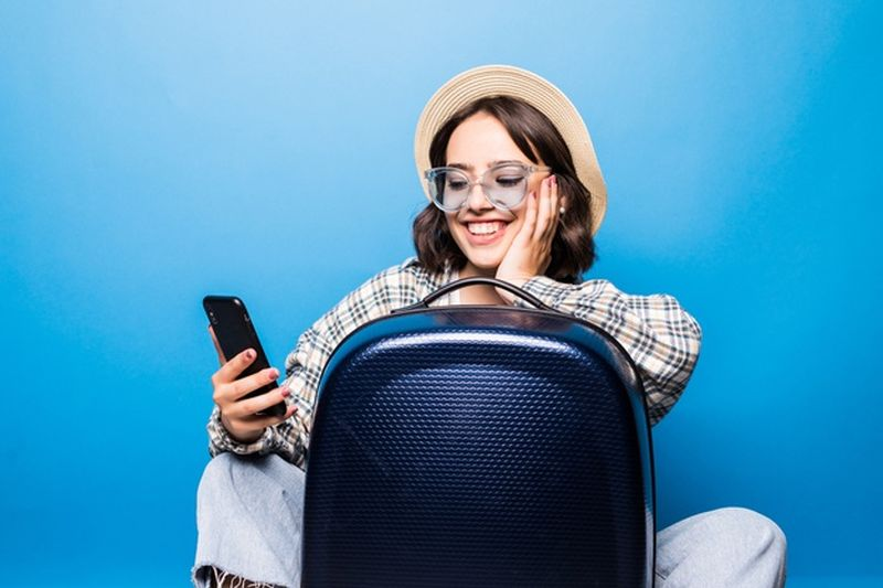 https: img.okezone.com content 2021 03 22 406 2382101 sandiaga-uno-kenalkan-aplikasi-wisata-yang-buat-liburan-jadi-asyik-bLYdDqwVMe.jpg