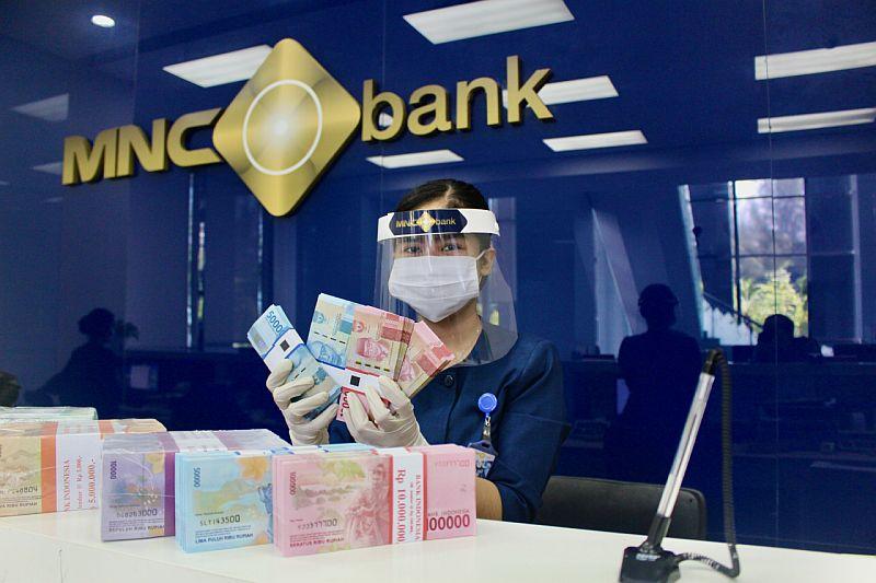 https: img.okezone.com content 2021 03 22 622 2381710 tabungan-dahsyat-ini-cara-kelola-keuangan-keluarga-dari-mnc-bank-babp-KmO3GbYUSL.jpg