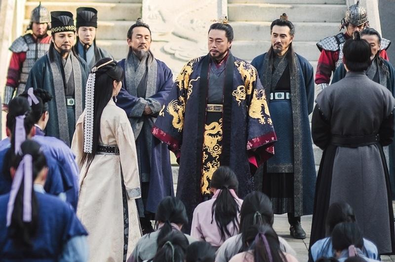 https: img.okezone.com content 2021 03 24 206 2383033 rating-joseon-exorcist-turun-river-where-the-moon-rises-tetap-solid-ziyUVzgfTI.jpg