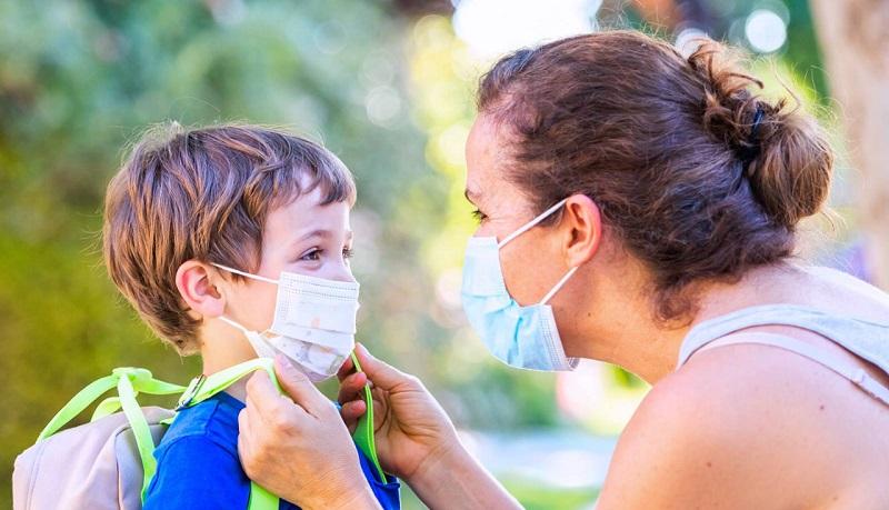 https: img.okezone.com content 2021 03 24 481 2383181 cuaca-ekstrem-ini-5-cara-agar-anak-tak-gampang-sakit-dHlSNUuy40.jpg