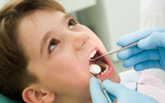 https: img.okezone.com content 2021 03 24 481 2383540 perawatan-gigi-penting-saat-pandemi-covid-19-ini-alasannya-YDUiR9uNXB.jpg