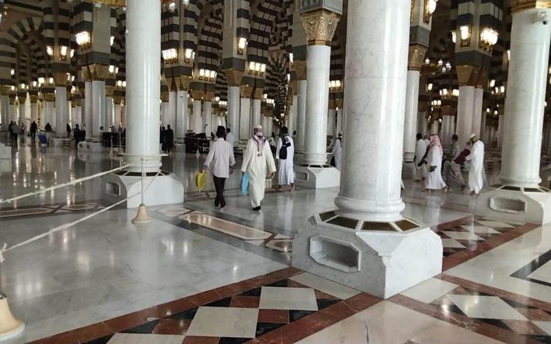 https: img.okezone.com content 2021 03 24 614 2383412 masjid-nabawi-madinah-gelar-sholat-tarawih-dan-itikaf-10-hari-terakhir-A9E7uqrXAP.jpg