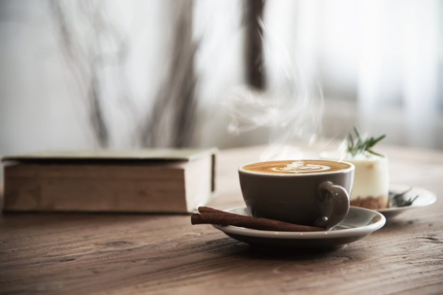 https: img.okezone.com content 2021 03 25 481 2384008 terungkap-minum-kopi-sebelum-olahraga-tingkatkan-pembakaran-lemak-qPjmWa4ZK9.jpg