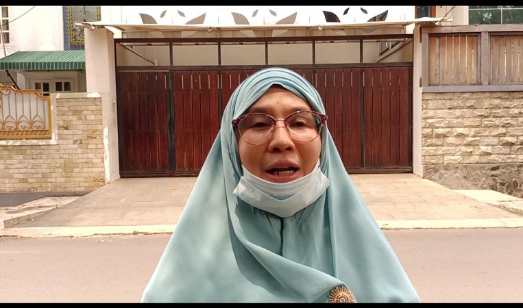https: img.okezone.com content 2021 03 26 338 2384575 fake-bomb-ditemukan-di-rumahnya-istri-ahmad-yani-kalau-bukan-bom-bersyukur-EZAIrErVHo.jpg