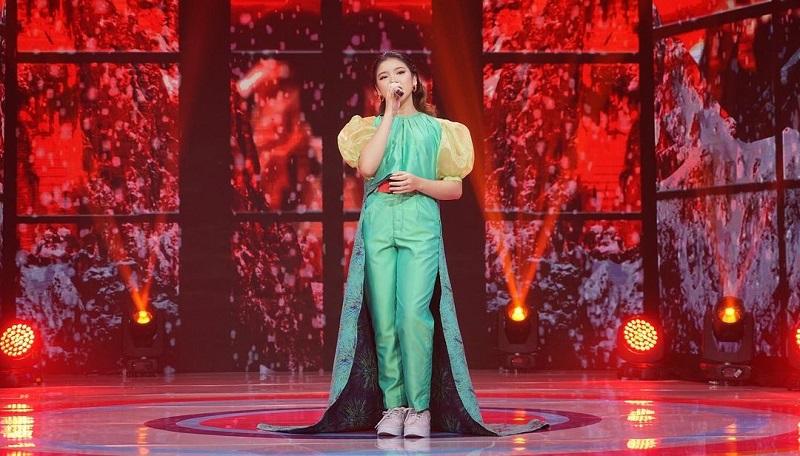 https: img.okezone.com content 2021 03 27 194 2385093 hut-dahsyat-ke-13-tiara-andini-tampil-memukau-berbalut-long-dress-hijau-qcX6P1ph85.jpg