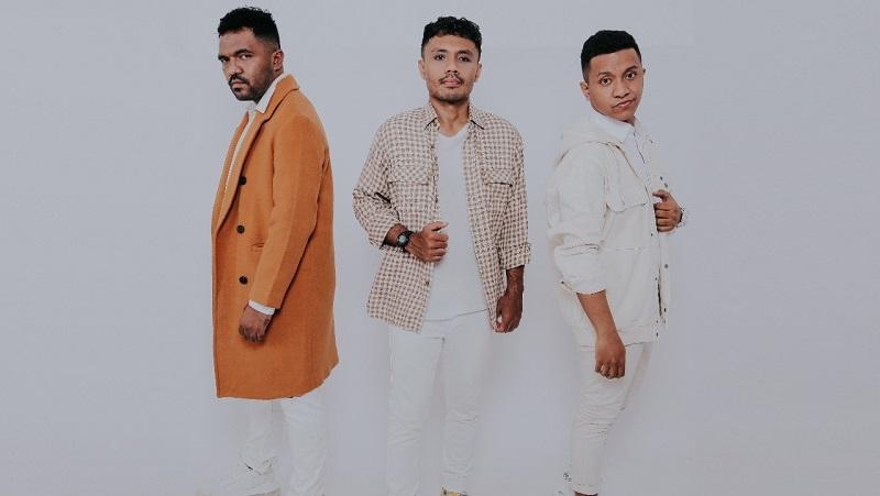 https: img.okezone.com content 2021 03 27 205 2385193 jebolan-indonesian-idol-billy-wino-gabung-trio-loko-d99bEDkFTs.jpeg