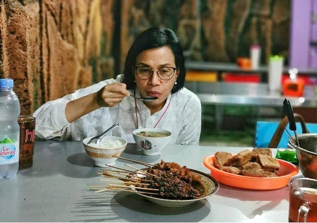 https: img.okezone.com content 2021 03 27 320 2385102 kenangan-sri-mulyani-dengan-soto-semarang-cBxDYYpdMz.jpg