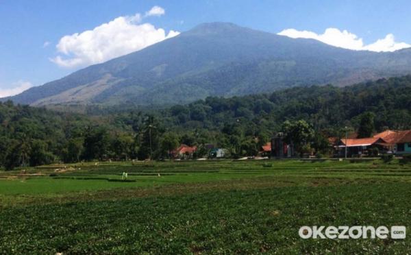 https: img.okezone.com content 2021 03 27 406 2385027 cerita-horor-pendaki-diganggu-makhluk-gaib-di-gunung-ciremai-Y76IFTVJ7Q.jpg