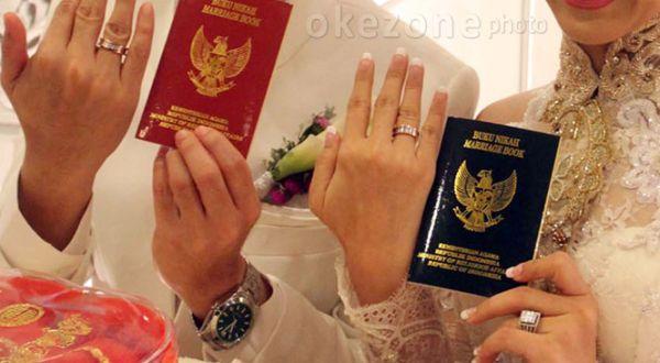 https: img.okezone.com content 2021 03 27 519 2385178 calon-pengantin-wanita-meninggal-saat-hendak-akad-nikah-eY1NQaIkAZ.jpg