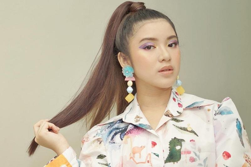 https: img.okezone.com content 2021 03 29 33 2386131 tiara-andini-menangis-haru-kenang-momen-di-indonesian-idol-Eon8v6yg8w.jpg