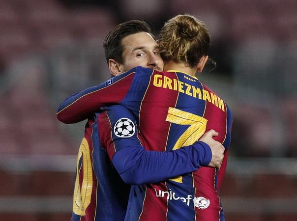 https: img.okezone.com content 2021 03 29 46 2385771 kacau-bukan-lionel-messi-ini-pemain-terbaik-barcelona-pilihan-fans-schUt4ABqf.jpg