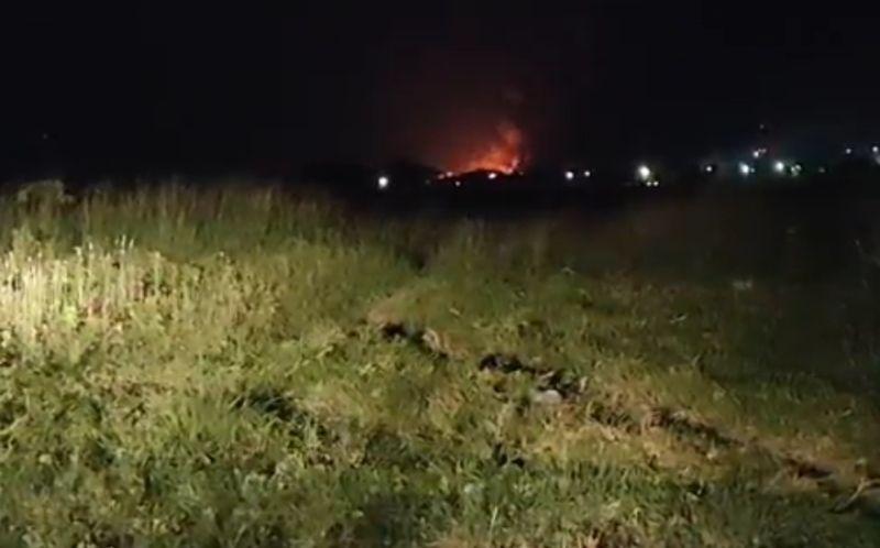 https: img.okezone.com content 2021 03 29 525 2386139 api-masih-terus-berkobar-dalam-kebakaran-kilang-minyak-balongan-j8LeYpFcck.jpg