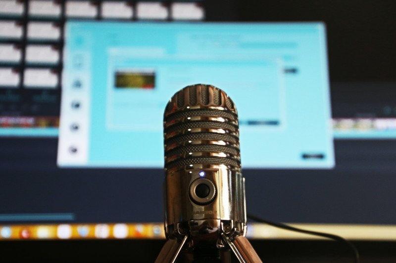 https: img.okezone.com content 2021 03 30 16 2386390 permudah-dakwah-aplikasi-umma-bikin-fitur-audio-podcast-N1fLVTJMOq.jpg