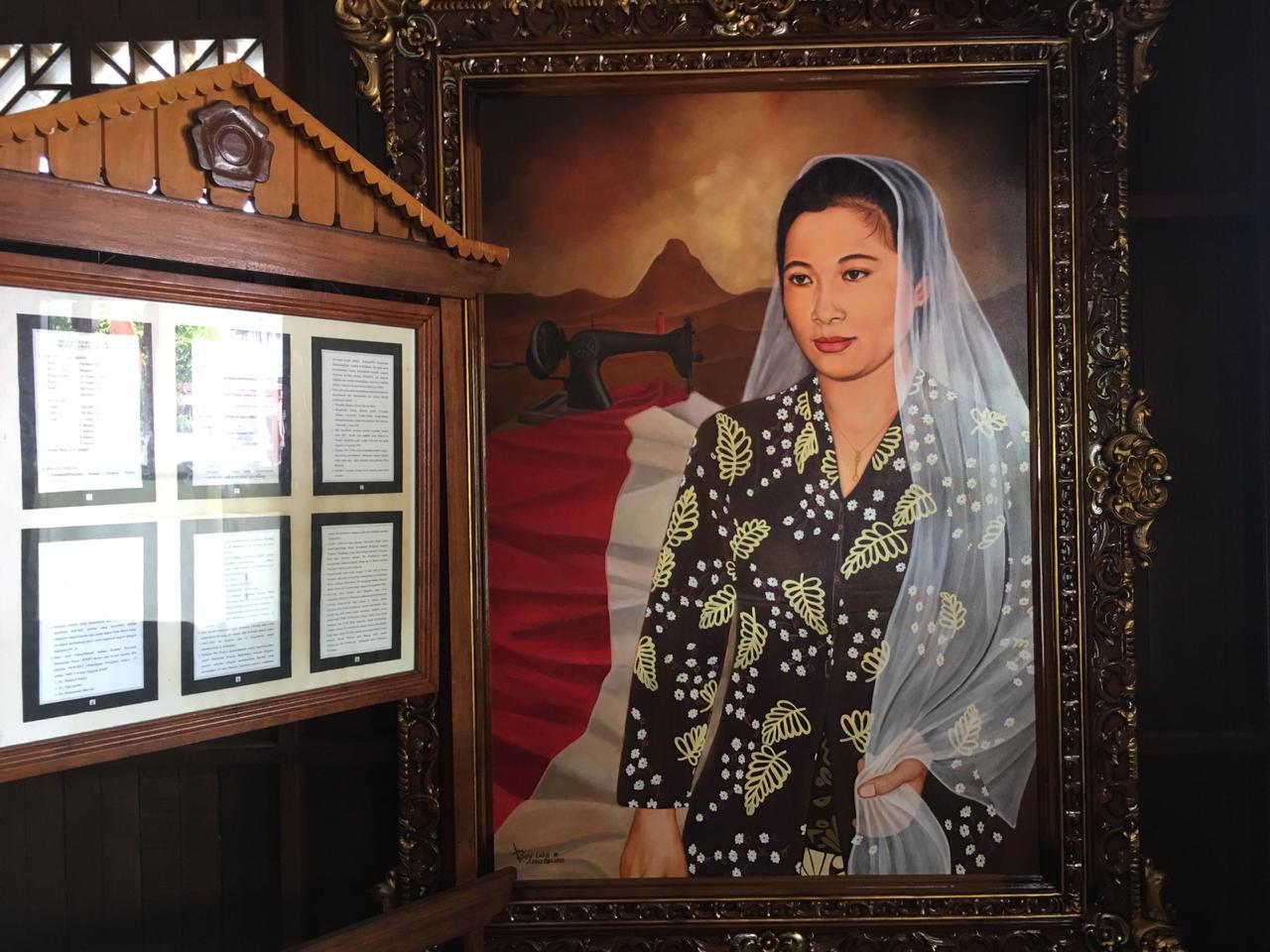 https: img.okezone.com content 2021 03 30 337 2386233 kisah-tulisan-terakhir-fatmawati-tjintamu-menjiwai-rakyat-tjinta-fat-saat-bung-karno-meninggal-07AnBkxSO7.jpg