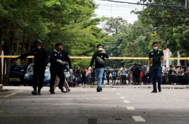 https: img.okezone.com content 2021 03 30 337 2386311 berikut-daftar-teror-bom-bunuh-diri-sasar-gereja-di-indonesia-CPiLIPgYrb.jpeg