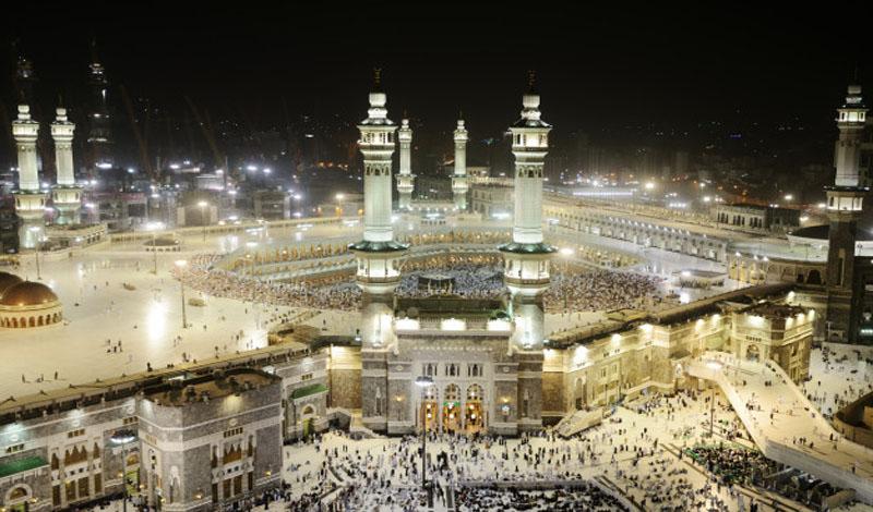 https: img.okezone.com content 2021 03 30 614 2386480 itikaf-dan-iftar-dilarang-digelar-di-masjidil-haram-dan-nabawi-selama-ramadhan-BQnsBrFTpu.jpg