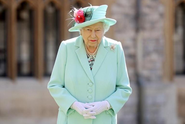 https: img.okezone.com content 2021 03 31 18 2387122 ratu-elizabeth-miliki-satu-boks-camilan-cokelat-pribadi-tidak-boleh-dimakan-orang-lain-vDf7ksL7hy.jpg